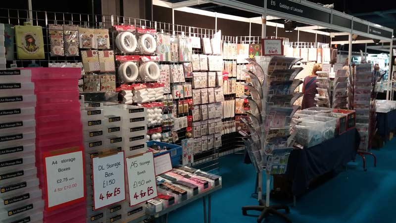 crafting show stand