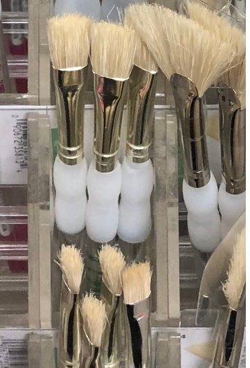 Split ends on hogs hair brushes